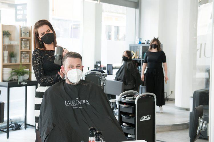 Friseur Bonn - Haare föhnen